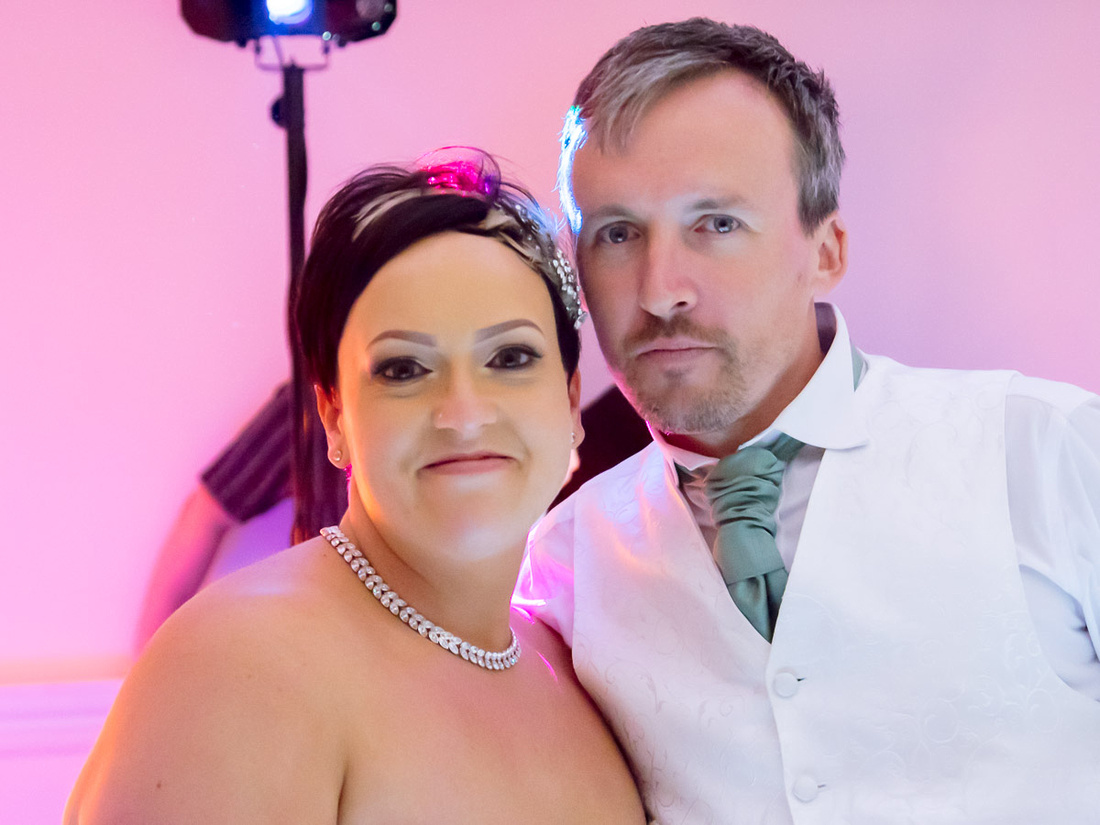 Wedding photography: Gary and Gemma's bonfire night wedding at Syston & Quorn Grange Hotel, Leicestershire