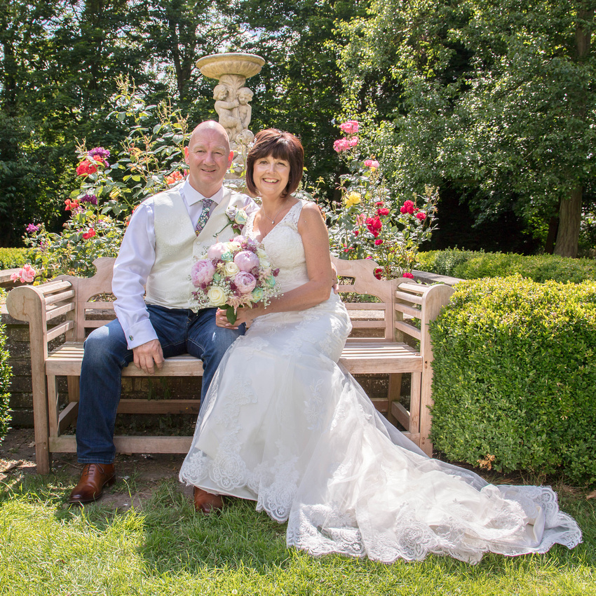 Andy and Jackie's wedding photography at The Woodland Manor Hotel, Bedford